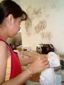 Yolanda making RTV mold 2